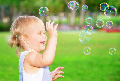 Seifenblasen ohne Glycerin selber machen - Rezepte